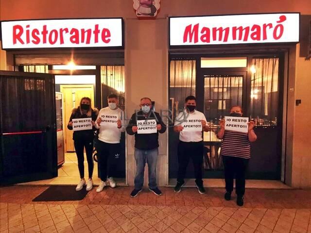 Covid, la protesta dei commercianti di Fiumicino