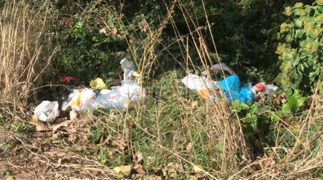 Discarica abusiva Fiumicino rifiuti