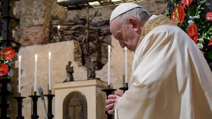 papa francesco enciclica fratelli tutti assisi