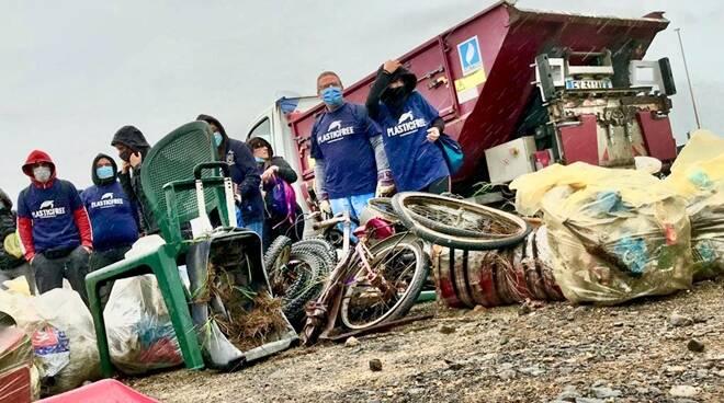 plastic free canale dei pescatori ostia rifiuti