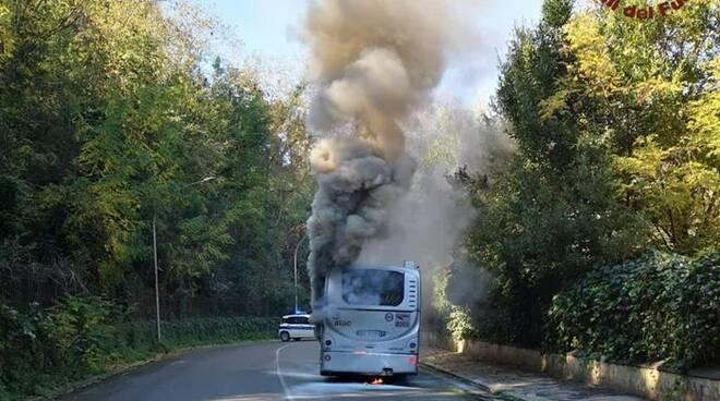 autobus atac incendio