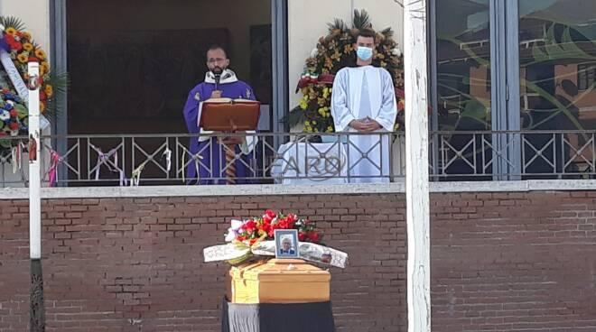 funerali Fabio Nobili Ardea