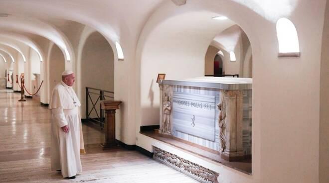 papa francesco preghiera grotte vaticane pontefici defunti 2 novembre