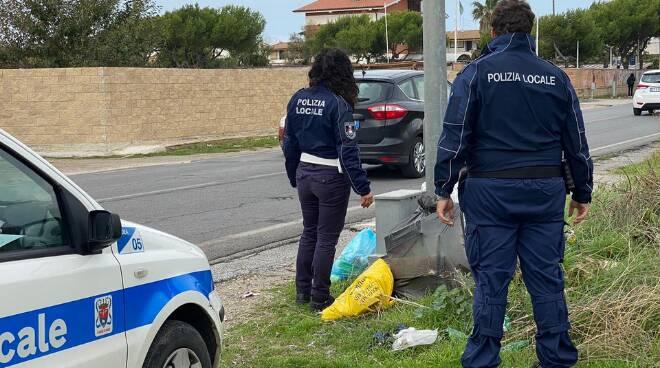 Polizia Locale Ardea buche rifiuti