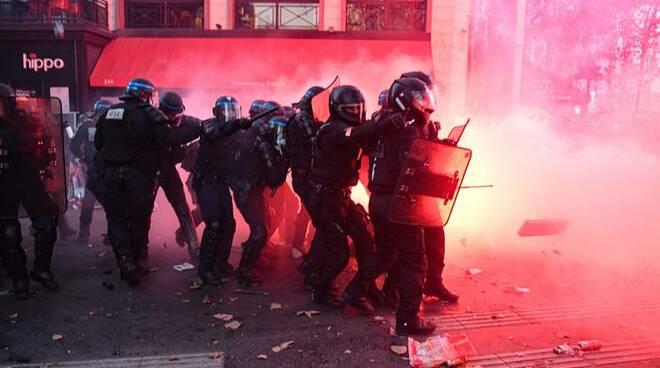 protesta Parigi