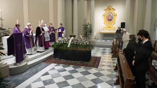 funerali medico papa