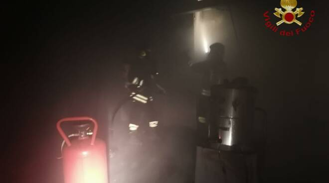 incendio autolavaggio cerveteri