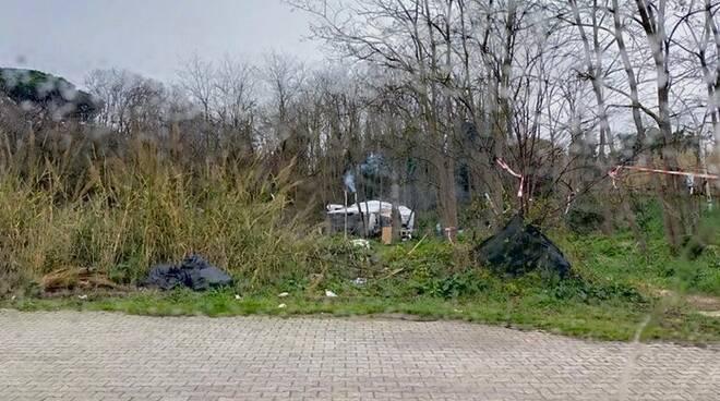 insediamento abusivo cimitero fiumicino