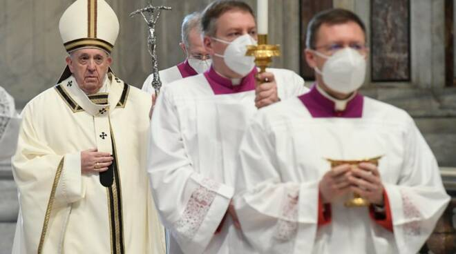 papa francesco messa epifania covid