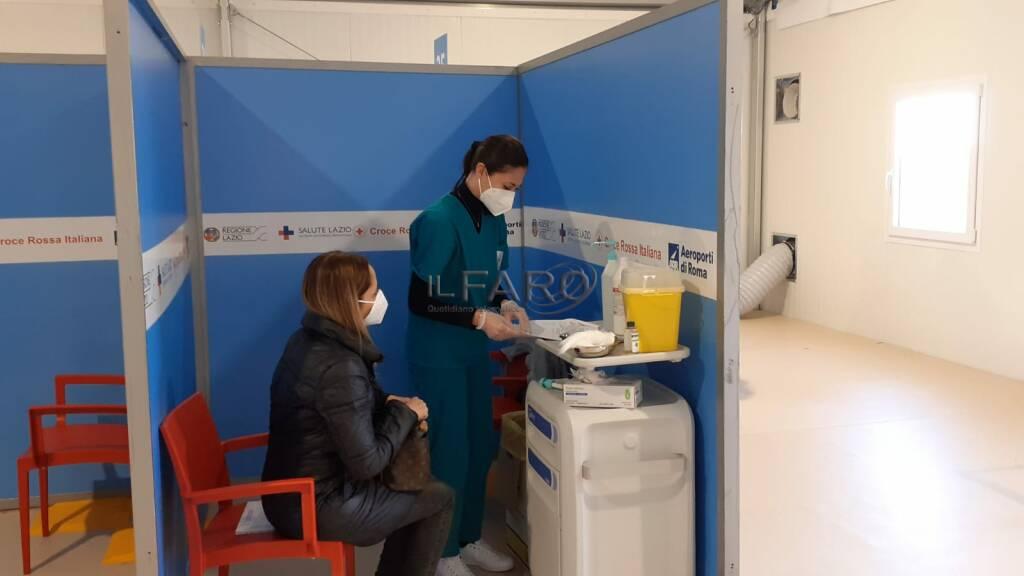 coronavirus mega centro vaccini anti covid-19 aeroporto di fiumicino