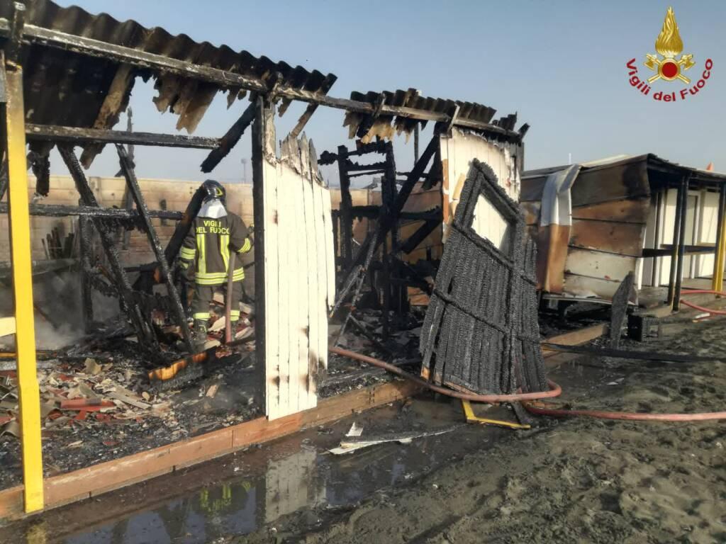 incendio deposito Ostia