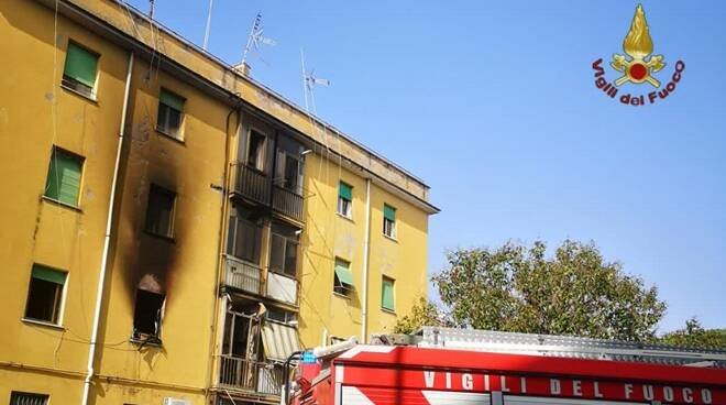 incendio via galli acilia