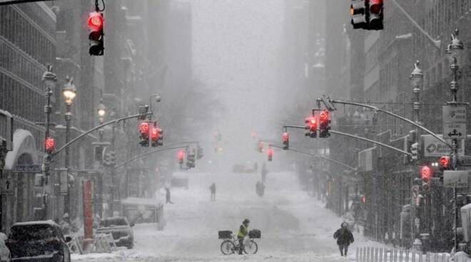 tempesta di neve new york