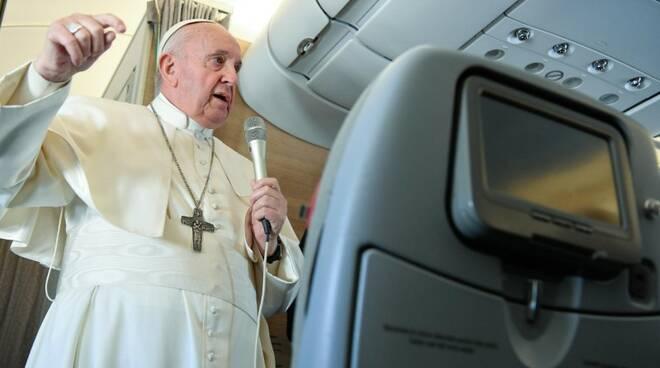 papa francesco aereo viaggio apostolico