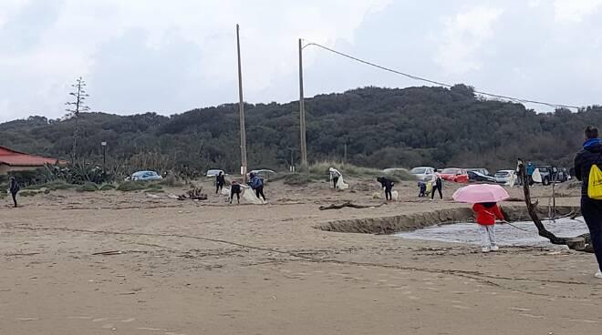 pulizia spiaggia Anzio