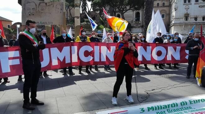 campidoglio protesta alitalia giunta fiumicino