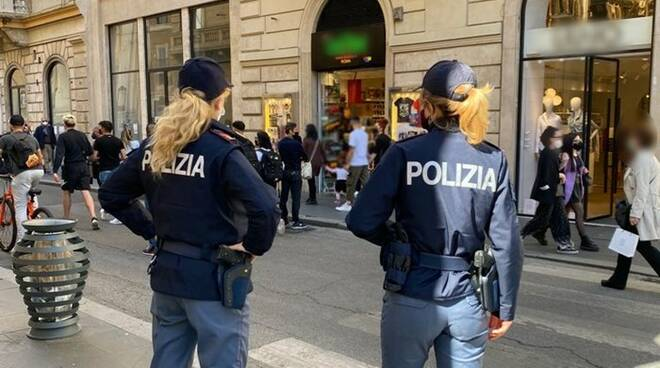 polizia coronavirus roma via del corso