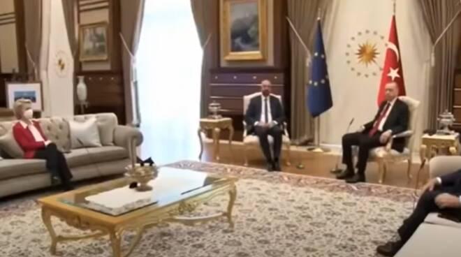 sofa gate erdogan turchia Ursula von der Leyen