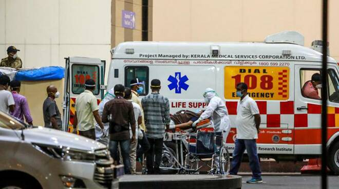 incendio ospedale India