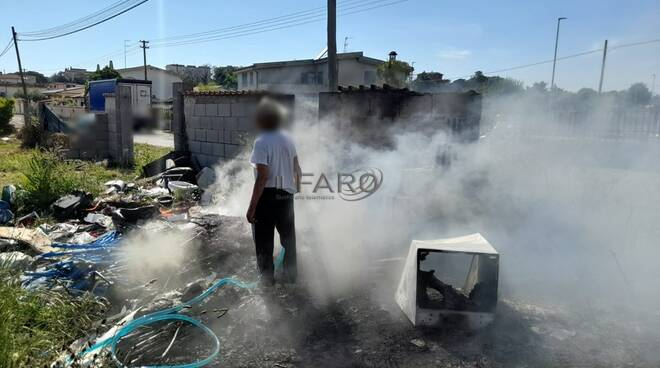 rifiuti incendiati ardea roghi tossici