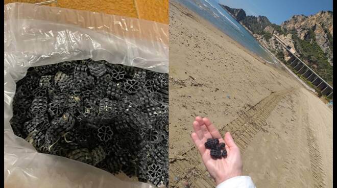 Rotelle di plastica sulla spiaggia di Formia e Gaeta