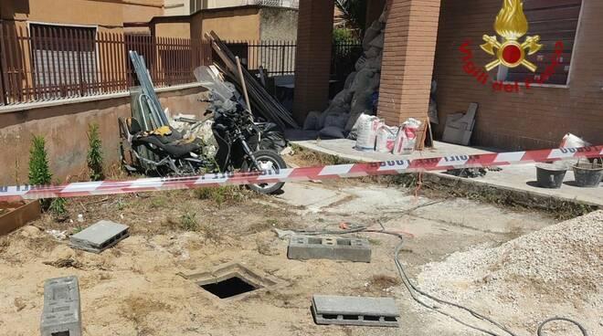 bimbo caduto in pozzo cantiere roma