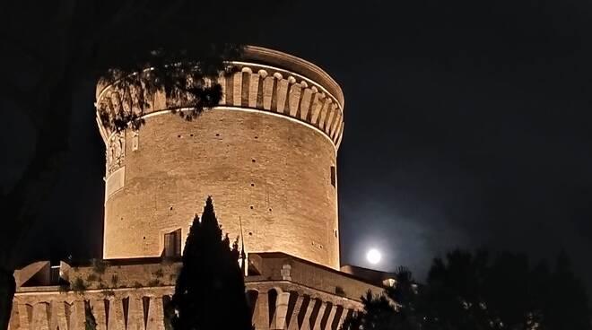 castello giulio II ostia antica notte