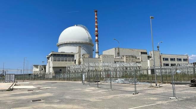 centrale nucleare latina