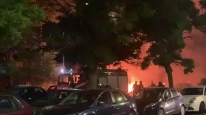 incendio camper roma