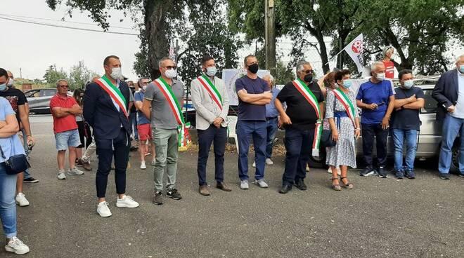 protesta discarica albano