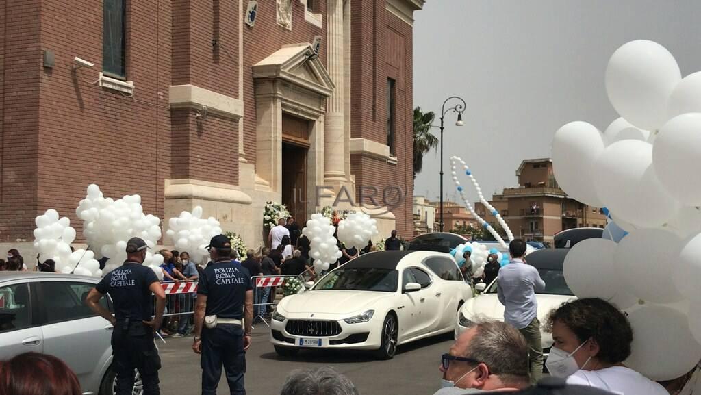 sparatoria ardea palloncini funerali daniel david fusinato ostia regina pacis