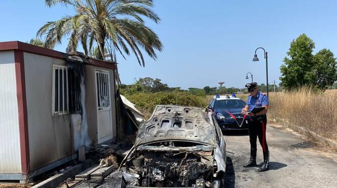 auto bruciata sabaudia