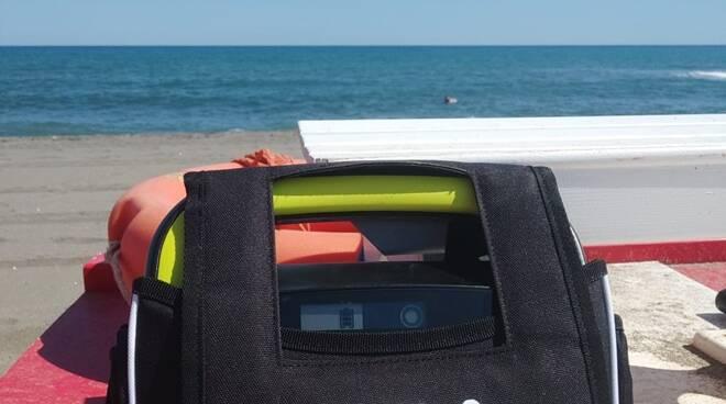 defibrillatore spiagge libere montalto