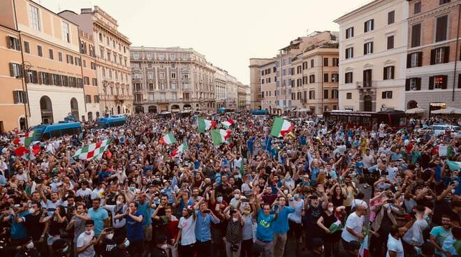 festa italia campione d'europa