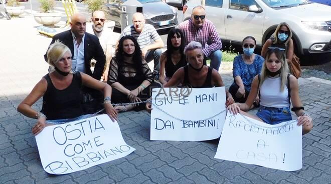 maricetta tirrito protesta x municipio ostia