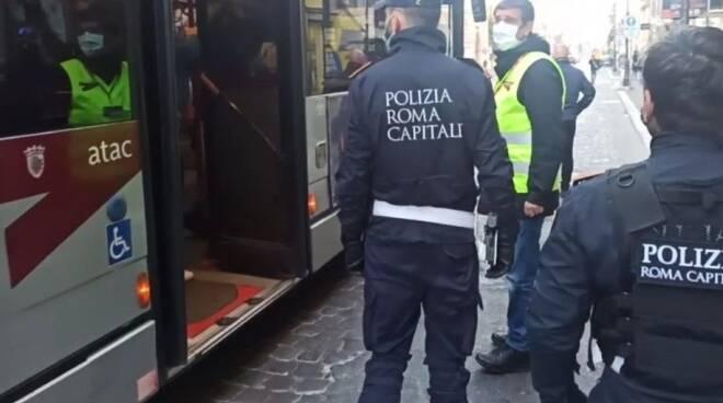 Polizia Locale autobus