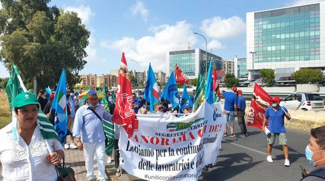 protesta chiusura panorama Latina