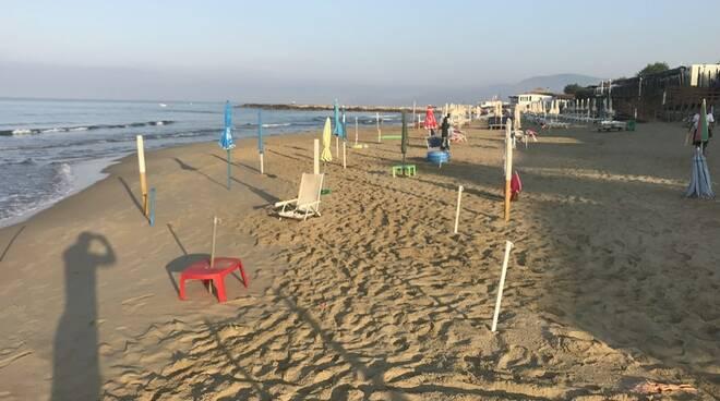 spiaggia abusiva sperlonga