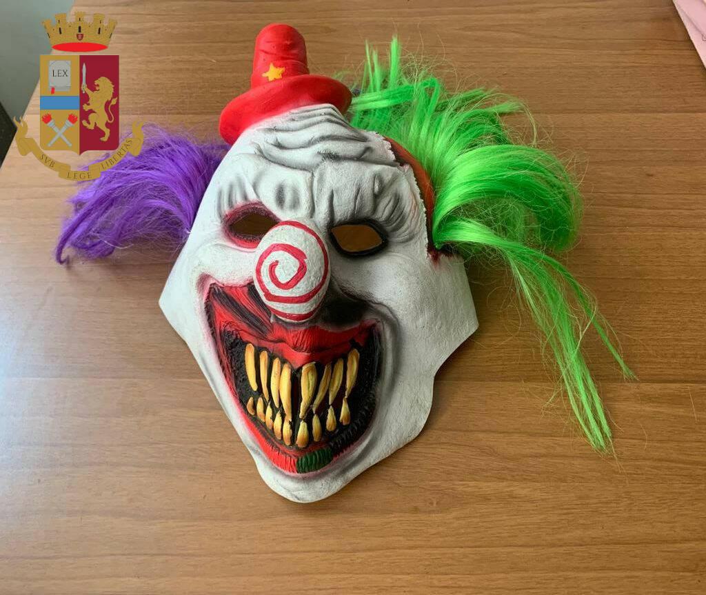 clown rapinatore