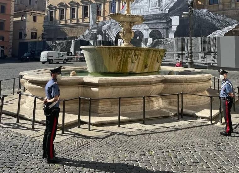 fontana piazza farnese