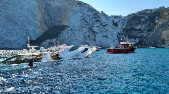 yacht affondato a Ponza