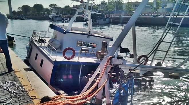 peschereccio affondato fiumicino