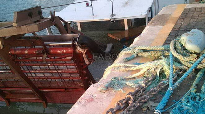 peschereccio affonda fiumicino