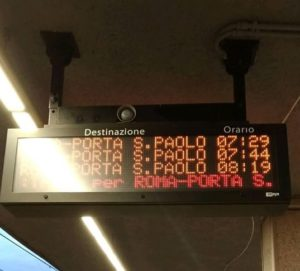 Gli orari sballati nell'orario di punta dei pendolari al mattino