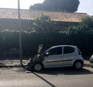 La Citroen C1 di proprietà della sorella di Luca Marsella incendiata nella notte in via delle Baleniere