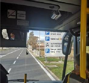 L'arrivo all'aeroporto nella sperimentazione di una nuova linea bus Ostia-Fiumicino
