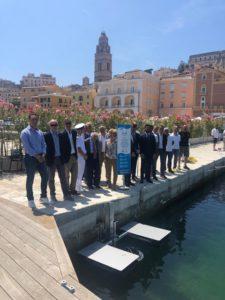 A Gaeta arriva il primo bidone galleggiante aspirarifiuti, Confcommercio: