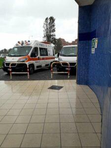 ambulanze di fronte al Baffi