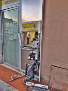 assalto bancomat poste ardea